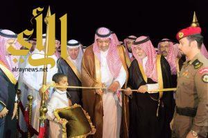 أمير منطقة الباحة يفتتح ملعب الحمراني ويضع حجر الأساس لحديقة الحمراني ببلجرشي
