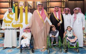 أمير الباحة يشيد بدور مركز جمعية الأطفال المعوقين بالمنطقة