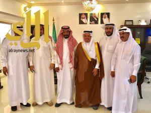 محافظ ميسان يجتمع باعضاء لجنة التنمية السياحية