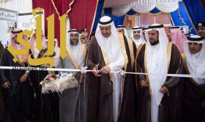 الأمير حسام بن سعود يفتتح معرض الكتاب الثالث بجامعة الباحة