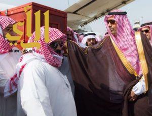 أمير منطقة الباحة يستقبل جثمان الشهيد سفر بن قليح الغامدي