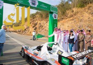 أمير منطقة الباحة يطلق فعاليات سباق رالي تحدي الباحة لصعود المرتفعات