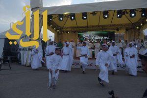 مهرجان العسل الدولي بالباحة يواصل فعالياته بجذب الزوار