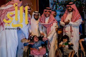 جمعية الأطفال المعوقين بالباحة تكرم الفنان فايز المالكي