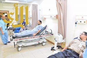 """""""أبطال الصحة"""" يتبرعون بدمائهم لضيوف الرحمن"""