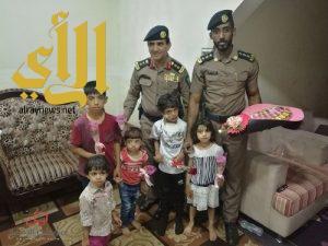 العقيد القحطاني يزور حارس مدرسة حي المركز
