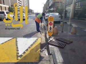 أمانة الشرقية تقوم بتنظيف مجاري تصريف الأمطار بحاضرة الدمام