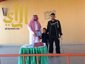مدرسة نبهان الابتدائية تكرم الطلاب المتميزين والمشاركين في الأنشطة الرياضية