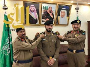 مدير الدفاع المدني بالباحة يقلد عدد من الضباط رتبهم الجديدة
