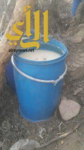 دوريات الأمن تضبط مصنعين لصناعة وترويج الخمور في أحد رفيدة