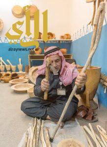 """""""عبدالله البشيري""""شاهد على أصالة الهويّة وعراقة التراث بقرية بالباحة التراثية"""