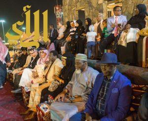سفراء وممثلو البعثات الدبلوماسية يشيدون بقرية الباحة التراثية