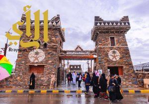 الأجواء الماطرة والحنين للماضي حاضرة مساء اليوم بقرية الباحة التراثية