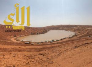 """الأجواء الماطرة تدفع أهالي الرياض والمزاحمية للاستمتاع ب"""" الخراره"""""""