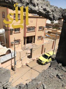 إصابة مقيمة وتضرر عدد من المنازل بمقذوفات حوثية على منطقة نجران