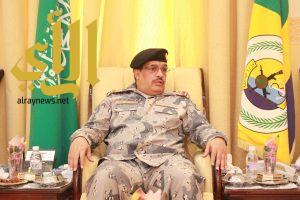 قائد حرس الحدود في منطقة عسير يقدم واجب العزاء في الشهيد القحطاني
