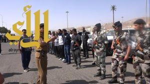 """مدير شرطة عسير يتابع استمرار حملة """"وطن بلا مخالف"""" في قرى عسير"""