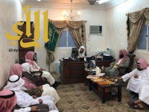 امام وخطيب المسجد الحرام في زيارة لإدارة المساجد والدعوة والإرشاد في ظهران الجنوب