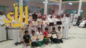 مدرستي عمرو بن العاص ومحمد بن القاسم تكرم طلابها المتخرجين من الصف السادس