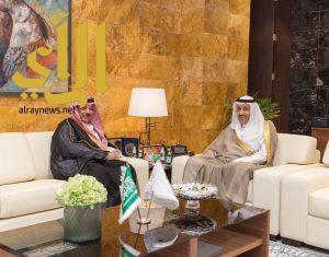 أمير منطقة الباحة يزور المقر الرئيسي للهيئة العامة للطيران المدني بالرياض