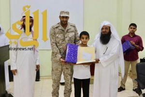 مدير تعليم وادي الدواسر يُكرم الفائزين بالمراكز الأولى في مسابقات القرآن الكريم