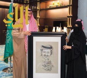 أمير الباحة يستقبل رئيسة لجنة سيدات الأعمال بالغرفة التجارية بالباحة