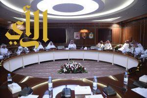 الأمير تركي بن طلال يلتقي رئيس وأعضاء مجلس إدارة الغرفة التجارية في أبها
