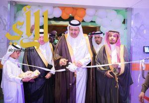 أمير الباحة يدشن ويضع حجز الأساس لعدد من المشروعات الصحية بالمنطقة