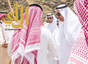 أمير منطقة الباحة يقف على مشروع طريق العقيق – القرى ويوجه بسرعة إنجازه
