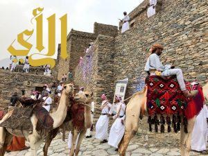 سياحة الباحة تُطلق الفعاليات المصاحبة لسوق عكاظ واقبال من الزوار والاهالي