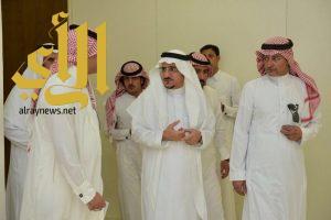 مدير جامعة الباحة يتفقد عمادة القبول والتسجيل