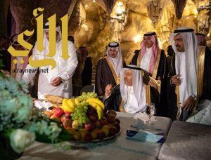 أمير منطقة الباحة يقوم بجولة على منتزه البرج السياحي بالمندق