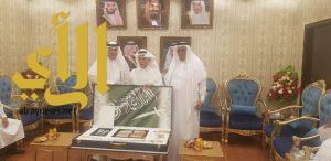 """رجل الأعمال """"سعيد الأزهري"""" يدعم جمعية العناية بالمقابر في عسير بمائة ألف ريال"""