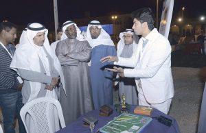 طالب سعودي يبتكر طاولة تمنع نسيان الأدوات الطبية في جسم المريض