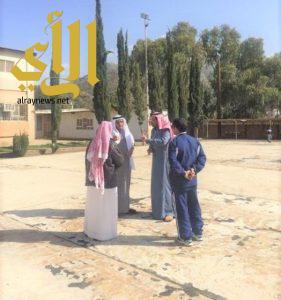 مدير عام تعليم الباحة يقف ميدانيا على سلامة مدارس محافظة المندق بعد هطول الأمطار