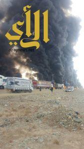 حريق ناقلة وقود يتسبب في إغلاق الطريق الدولي بين عسير وجازان