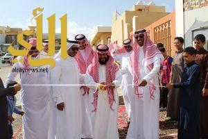 مدرسة بخميس مشيط تحتضن أكبر جدارية في المملكة