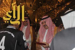 الأمير مشعل بن ماجد يتوج الفائزين بكأس دوري المدارس 2017