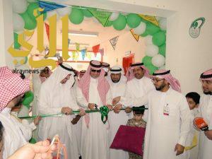 """وزير التعليم يدشن برنامج """"التهيئة"""" لطلاب الأول الابتدائي في الرياض"""