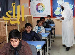 26 طالبا في اختبارات التسريع بتعليم عسير
