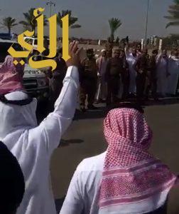 ابن نومه واخوانه يعفون عن ابن عمهم لوجه الله في ساحة القصاص بعسير