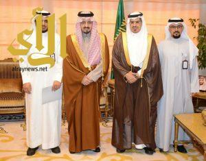 أمير عسير يطلع على برامج مركز الأمير فيصل بن خالد للتربية الخاصة