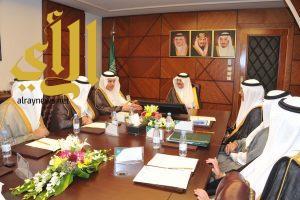 الأمير سعود بن نايف يؤكد على ضرورة رفع جودة المياه في كافة محافظات المنطقة الشرقية