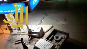 بالفيديو .. فشل محاولة سرقة صرافين آليين بطريب