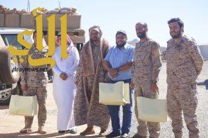 هدايا رمزية من الكلية التقنية للبنات بالخميس لجنودنا البواسل