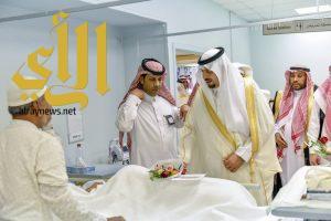 الأمير فيصل بن خالد بن سلطان يعايد نزلاء دار المسنين في منطقة الحدود الشمالية