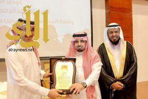 """مكتب تعليم العزيزية يكرم """"أبوحيدر"""" والقادة المتقاعدين"""