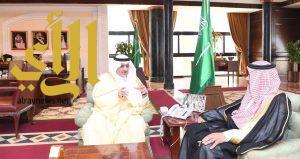 أمير تبوك يلتقي مدير مكتب وكالة الأنباء السعودية في المنطقة