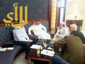 محمد بن متعب يلتقي رئيس إتحاد السلة الآسيوي