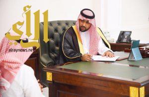 نائب أمير جازان يلتقي المواطنين والمقيمين